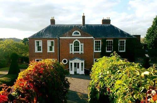 Last Minute Cottages - Barton Court