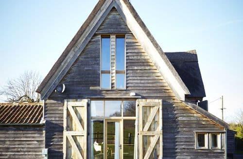 Big Cottages - Grove Farm - The Milking Parlour S104133