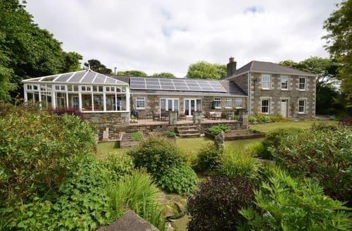 Last Minute Cottages - Tregoose Farmhouse and Barn - Farmhouse S104160