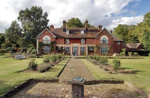 Big Cottages - Sussex Manor S104176