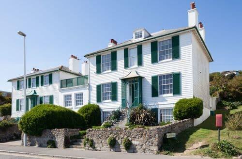 Big Cottages - Regency Beach House S104202