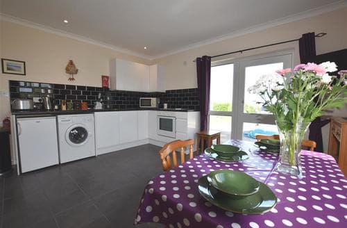 Last Minute Cottages - Captivating Fishguard Apartment S85813