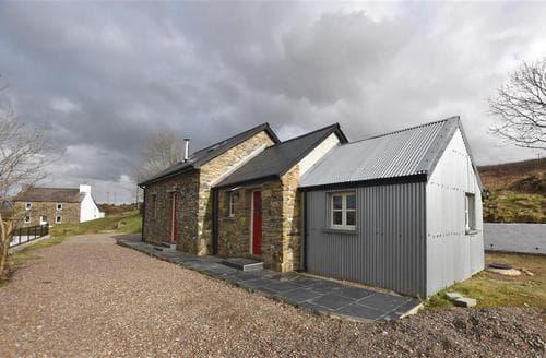 Last Minute Cottages - Delightful Newport Cottage S96430
