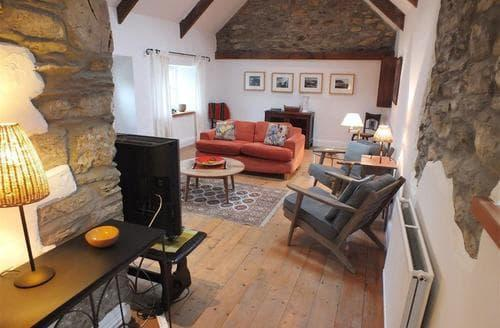 Last Minute Cottages - Well Well