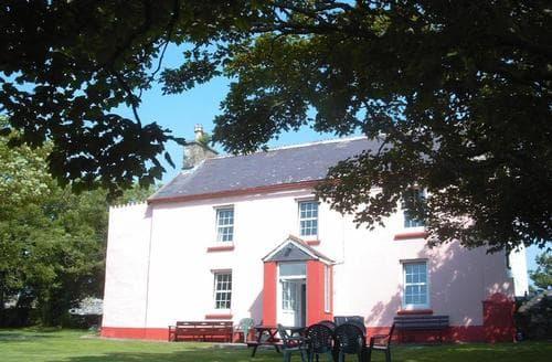 Last Minute Cottages - Tremynydd Fawr