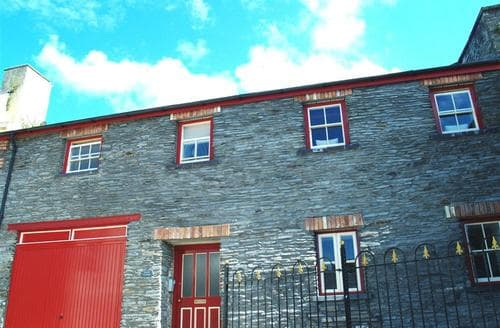Last Minute Cottages - Charming Cardigan Apartment S71868