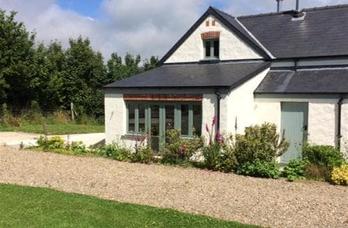 Last Minute Cottages - Lovely Fishguard Cottage S79247