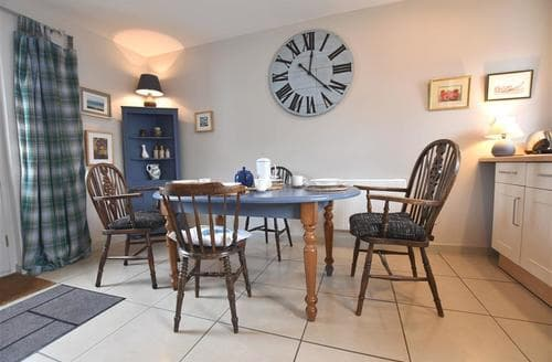 Last Minute Cottages - Delightful Solva Cottage S86438