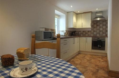 Last Minute Cottages - Luxury Dinas Cottage S71837