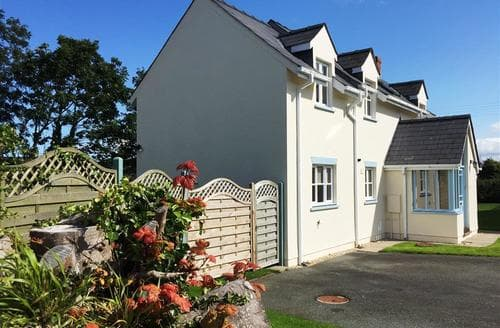 Big Cottages - Stunning Dinas Cottage S71812