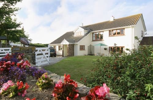 Big Cottages - Cosy Bude Cottage S24949