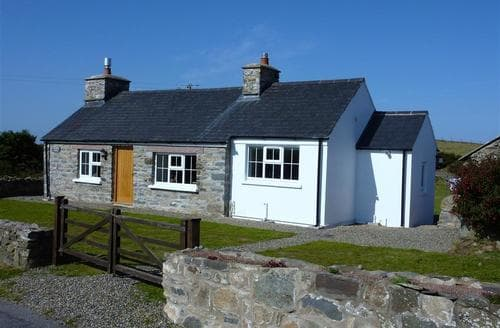 Last Minute Cottages - Attractive Strumble Head Cottage S71680