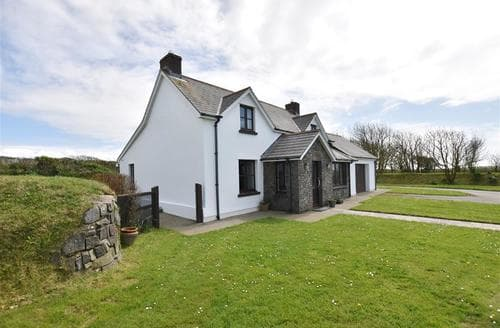 Last Minute Cottages - Lovely Solva Cottage S98738