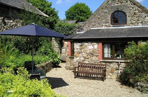 Last Minute Cottages - Tasteful Saundersfoot Cottage S71766