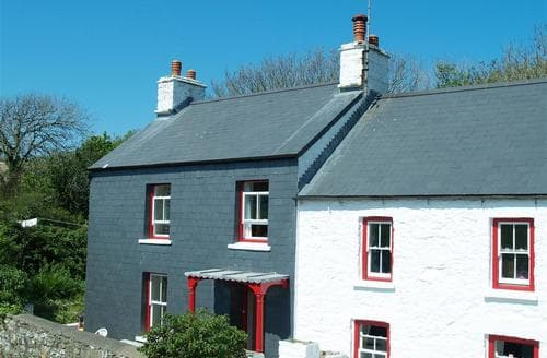 Last Minute Cottages - Wonderful Dinas Cottage S71802