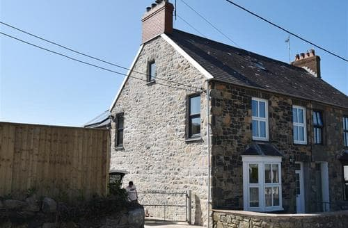 Big Cottages - Quaint Newport Cottage S71852