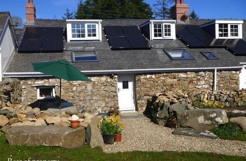 Last Minute Cottages - Tasteful Dinas Cottage S71799