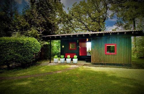 Last Minute Cottages - Splendid Cenarth Lodge S96800