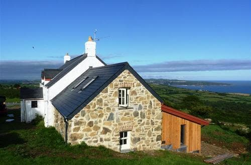 Last Minute Cottages - Wonderful Dinas Cottage S71712