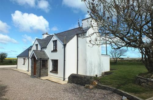 Last Minute Cottages - Beautiful Newgale Lodge S71838