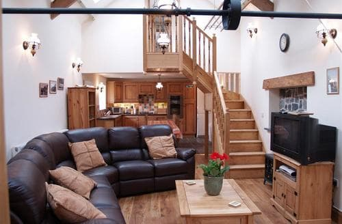Last Minute Cottages - The Mill & Stable