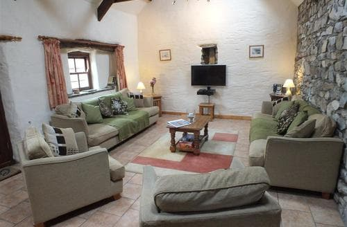 Last Minute Cottages - Ty Gwartheg