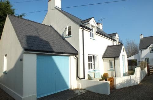 Big Cottages - Charming Newport Cottage S71847