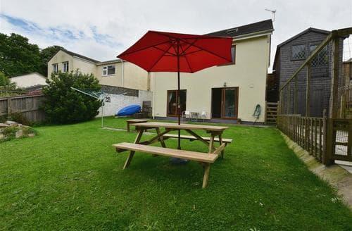 Last Minute Cottages - Cosy Pembroke Apartment S71695