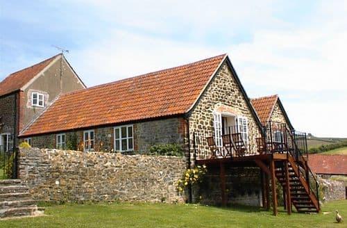Last Minute Cottages - Rudge Farm Cottages - Hayloft Cottage S104380