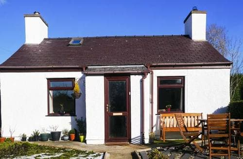 Last Minute Cottages - Superb Penisarwaun Rental S25001