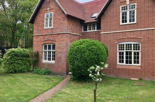 Big Cottages - Vicarage Cottage S104511