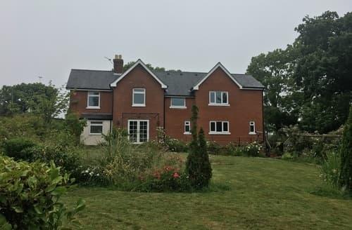 Last Minute Cottages - Quaint Gurnard Cottage S104873
