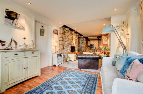 Last Minute Cottages - Caldey Gardens