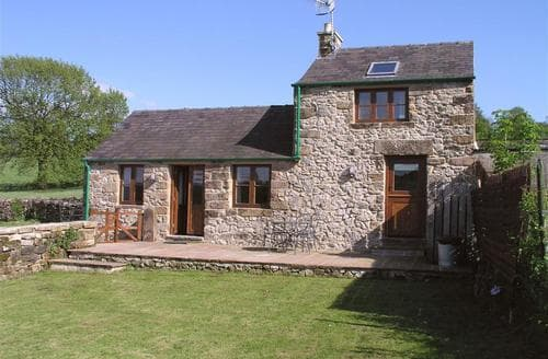 Last Minute Cottages - Luxury Snitterton Cottage S104946