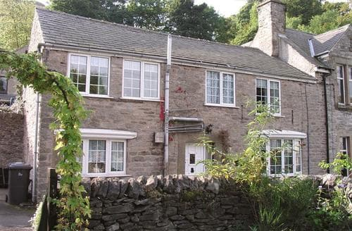 Last Minute Cottages - Lovely Castleton Cottage S104954