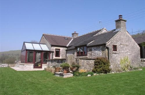 Last Minute Cottages - Castle Way