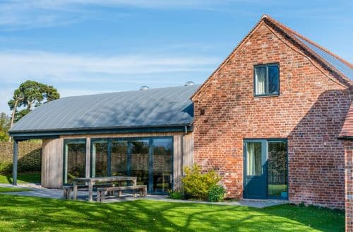 Big Cottages - Cuckoo Croft Barn S105220