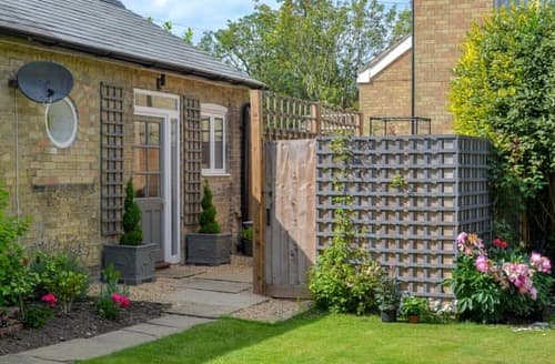 Last Minute Cottages - Adorable Cambridge Cottage S105305