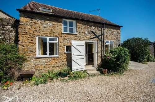 Last Minute Cottages - Lovely Chideock Cottage S105345