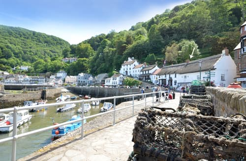 Last Minute Cottages - Adorable Lynmouth Apartment S105372