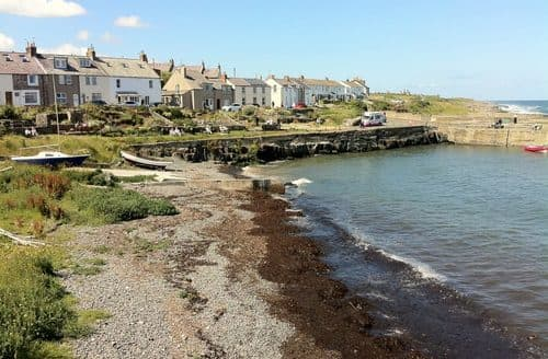 Last Minute Cottages - Cosy Craster Cottage S105610