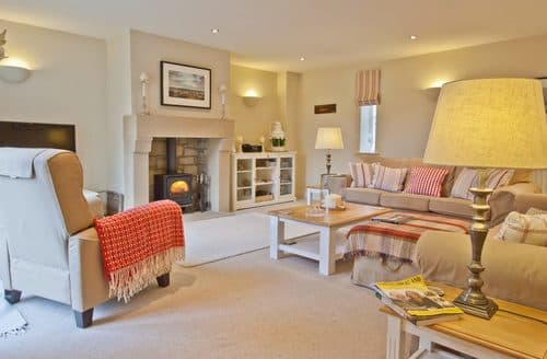 Last Minute Cottages - Superb Seahouses Cottage S105644