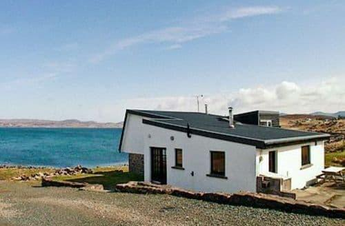 Last Minute Cottages - Beautiful Gairloch Cottage S25216