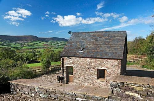 Last Minute Cottages - Exquisite Pandy Cottage S40144