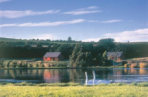 Last Minute Cottages - Lovely Dalrymple Lodge S106113