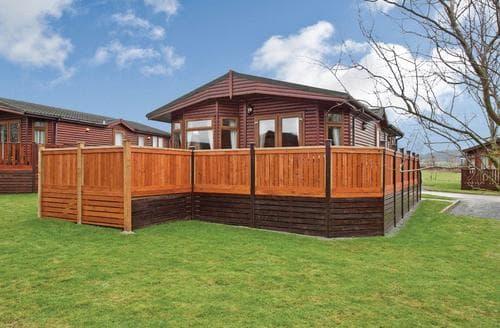 Last Minute Cottages - Quaint Hopton Heath Lodge S106116