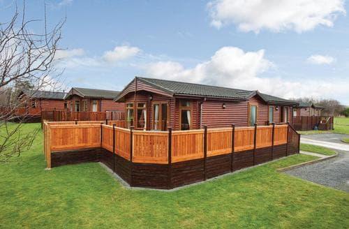 Last Minute Cottages - Delightful Hopton Heath Lodge S106118