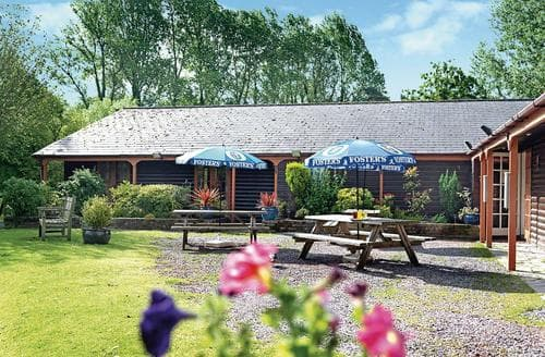 Last Minute Cottages - Gorgeous Henford Marsh Lodge S106150