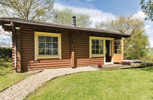 Last Minute Cottages - Lovely Ilkley Moor Lodge S106162