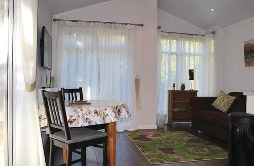 Last Minute Cottages - Adorable Cottonhopesburnfoot Lodge S106212